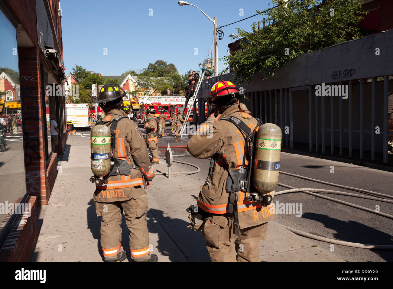 how to become a firefighter in toronto ontario