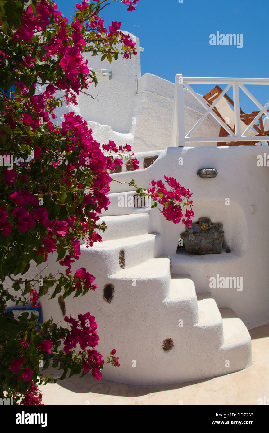 Whitewash building in Oia, Santorini, Cyclades, Greece - Stock Image