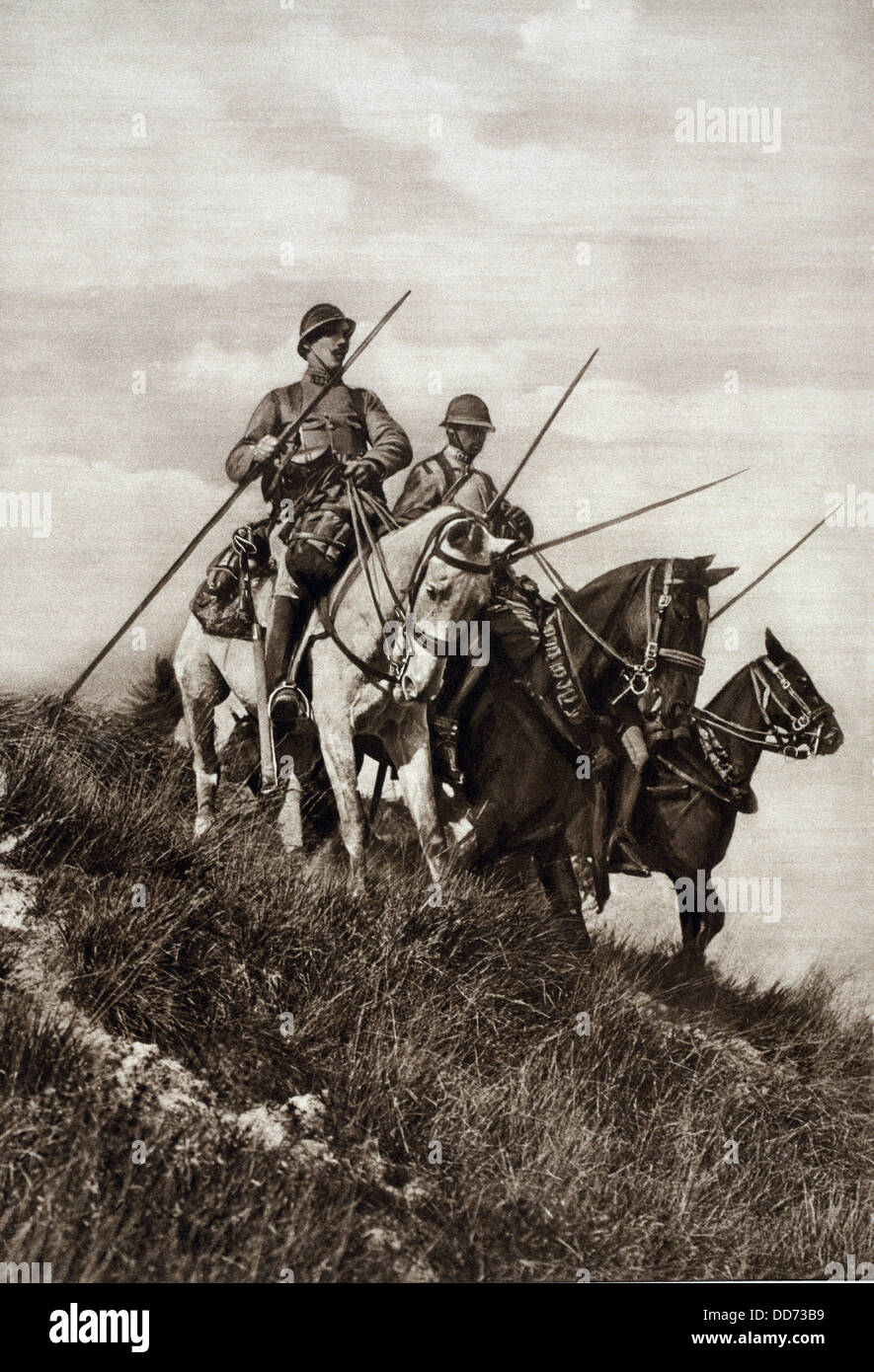 French WW1 cavalry patrol the Aisne to which the Germans had been driven. Sept. 1914. At this time German Armies - Stock Image