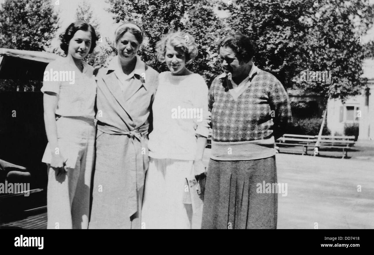 Eleanor Roosevelt and Lorena Hickok with two unidentified younger women. 1933. Hickok, an Associated Press reporter, - Stock Image