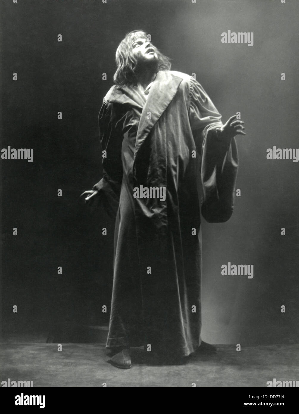 Orson Welles in the WPA's Theater Project production of Dr. Faustus, 1937. (BSLOC_2013_9_18) - Stock Image
