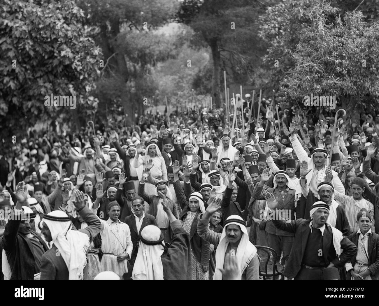 Palestine disturbances 1936. Palestine Arabs at Abou Ghosh taking the oath of allegiance to the Arab cause, and - Stock Image