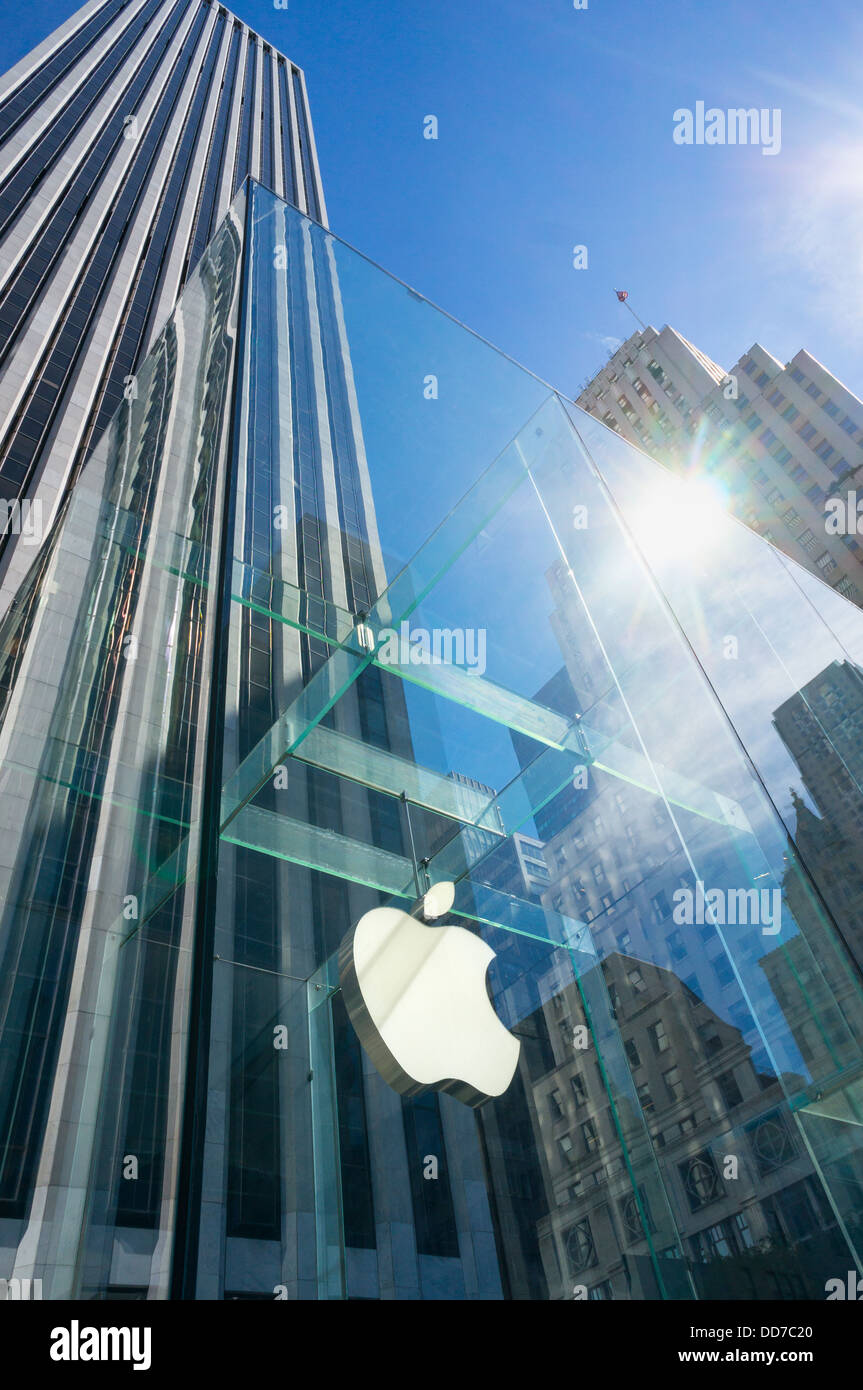 The Fifth Avenue Apple Store with logo on the flagship in New York City, USA - Stock Image