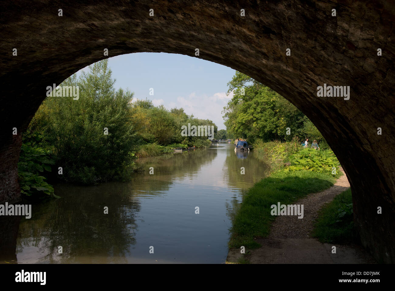 Kennet and Avon Canal Bridge and Tow Path -1 - Stock Image