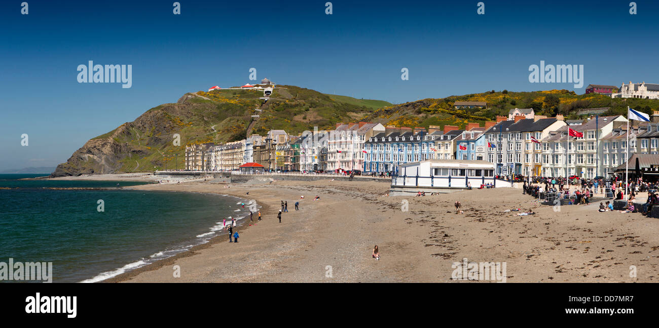 UK, Wales, Ceredigion, Aberystwyth, beach and Marine Terrace, panoramic - Stock Image