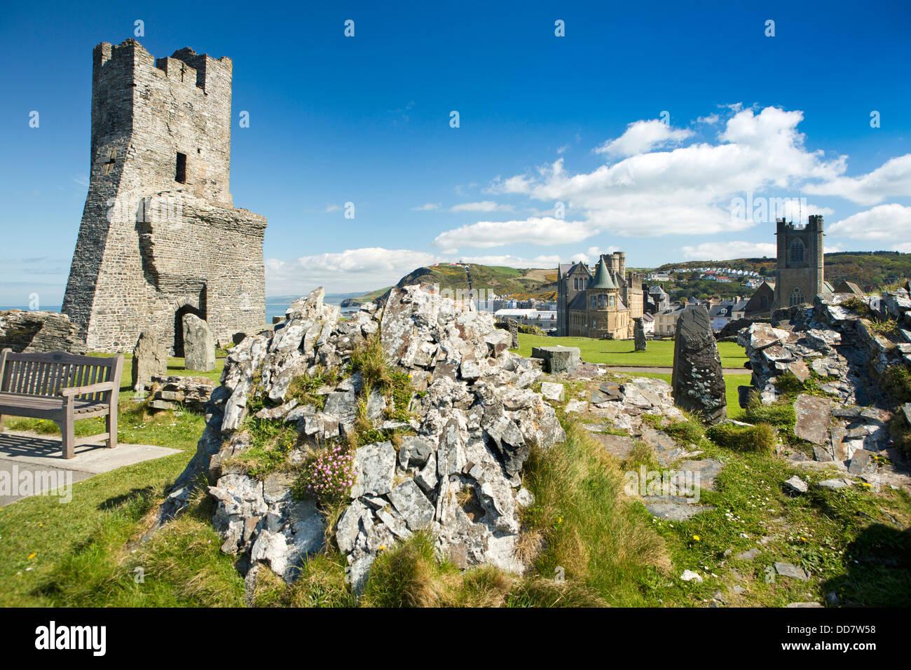 UK, Wales, Ceredigion, Aberystwyth, Castle ruins - Stock Image