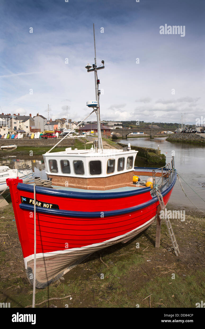 UK, Wales, Ceredigion, Aberystwyth Harbour, red fishing boat Fear Not - Stock Image