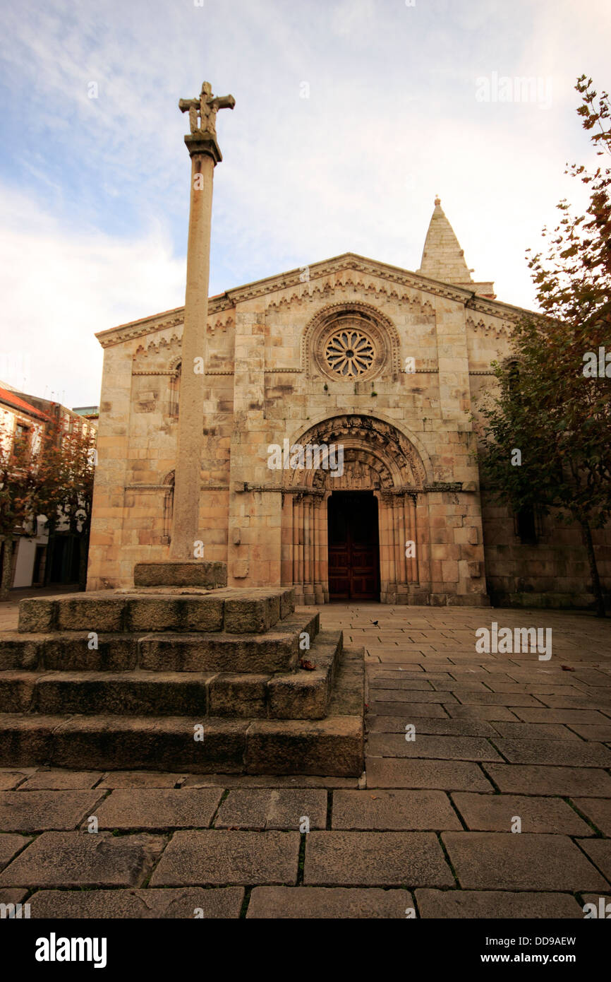 Square With The Collegiate Church Of Santa Maria Del Campo A Coruna Stock Photo Alamy