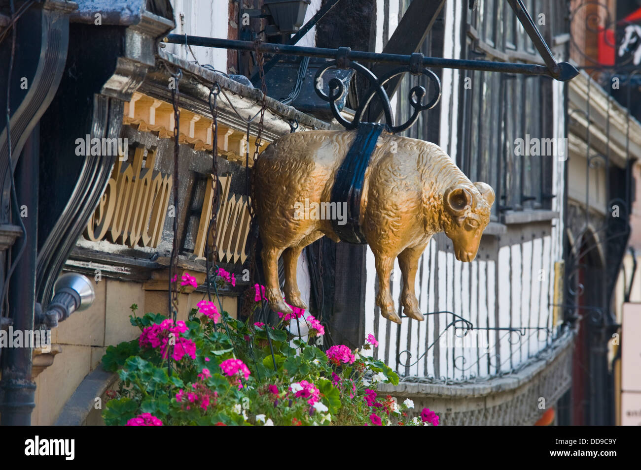 Exterior of the Golden Fleece pub in the city centre of York North Yorkshire England UK - Stock Image