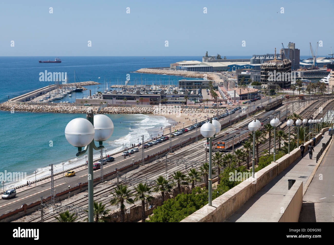 Marina and railway tracks at Tarragona, Spain. - Stock Image