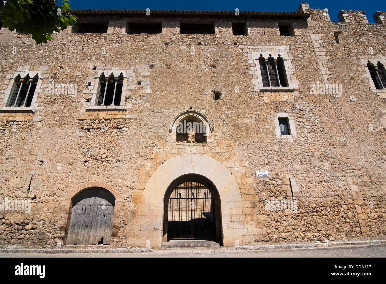 Abbot´s palace  XV century  Gothic  Santa Maria de Vilabertran canonical´s  Spain, Catalonia, Girona province, - Stock Image