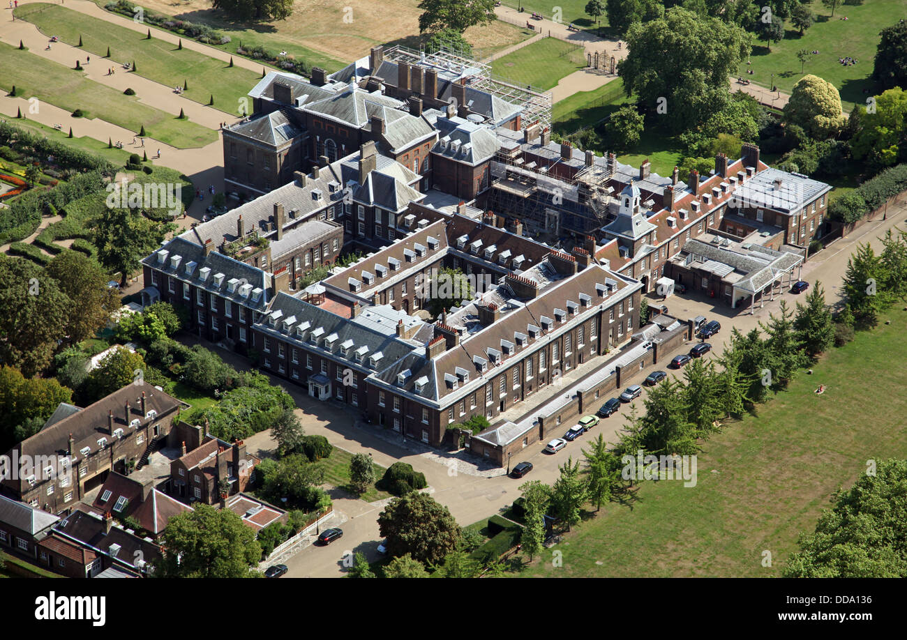 aerial view of Kensington Palace in London, home of Prince William and Kate Middleton the Duchess of Cambridge - Stock Image