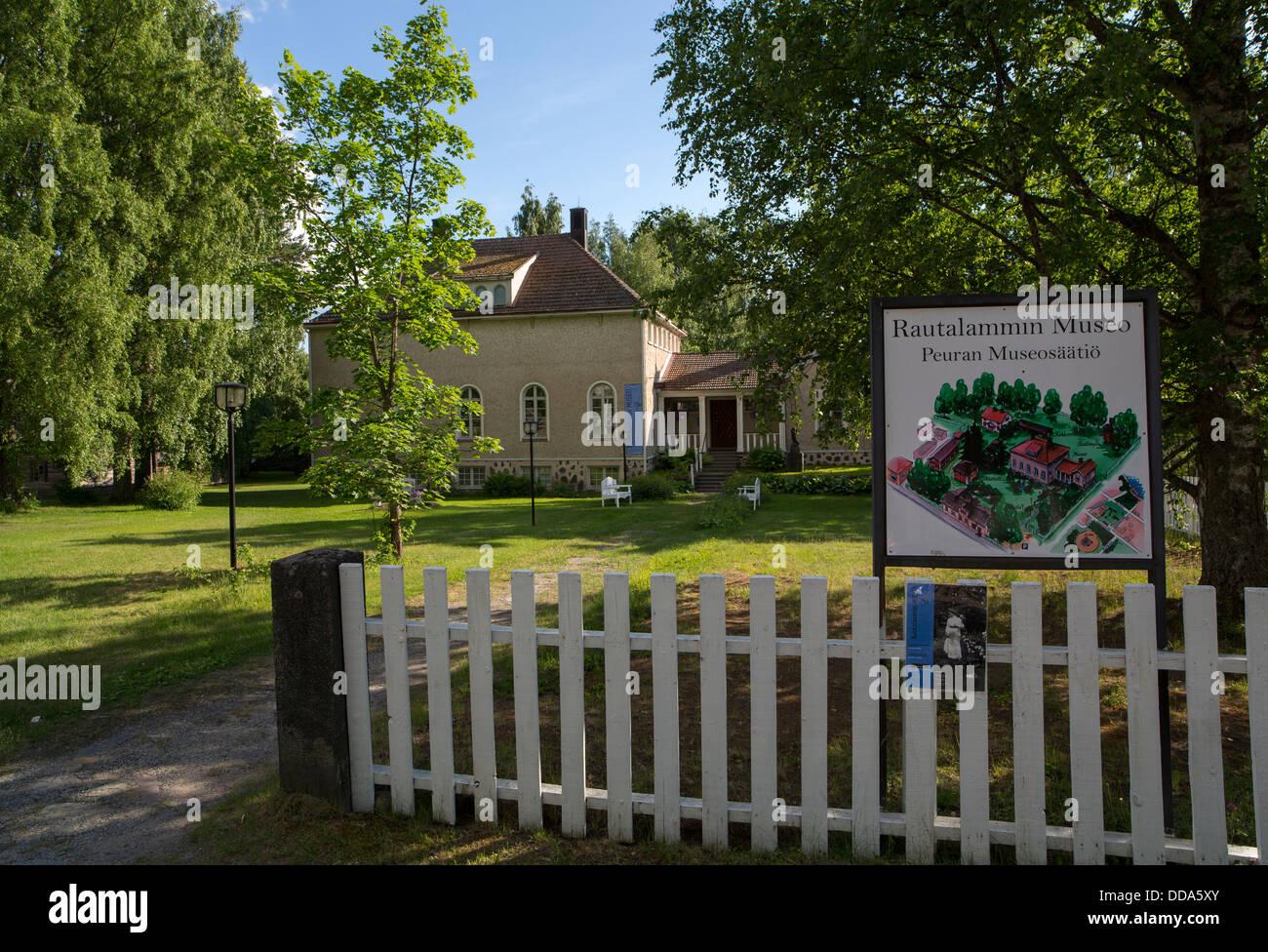 Rautalammin museo ( Peuran museo ) Rautalampi museum , Finland Stock Photo
