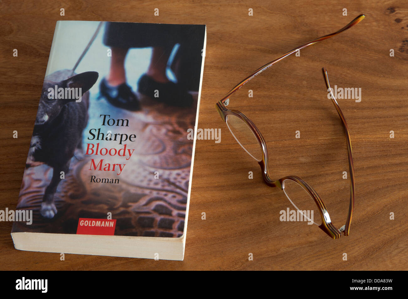 Tom Sharpe 'Bloody Mary' novel published by Goldmann - Stock Image