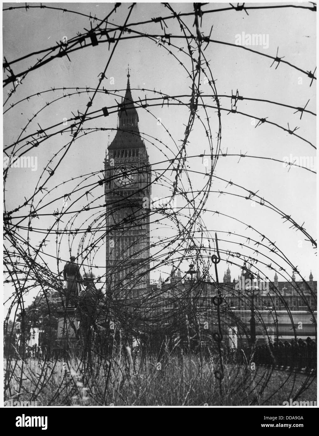 WWII, Europe, London, England, Big Ben with barbed wire entanglement - - 195565 - Stock Image