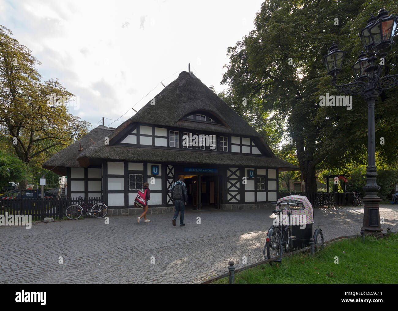 thatched roof of Dahlem-Dorf, Berlin U-Bahn station, Germany - Stock Image