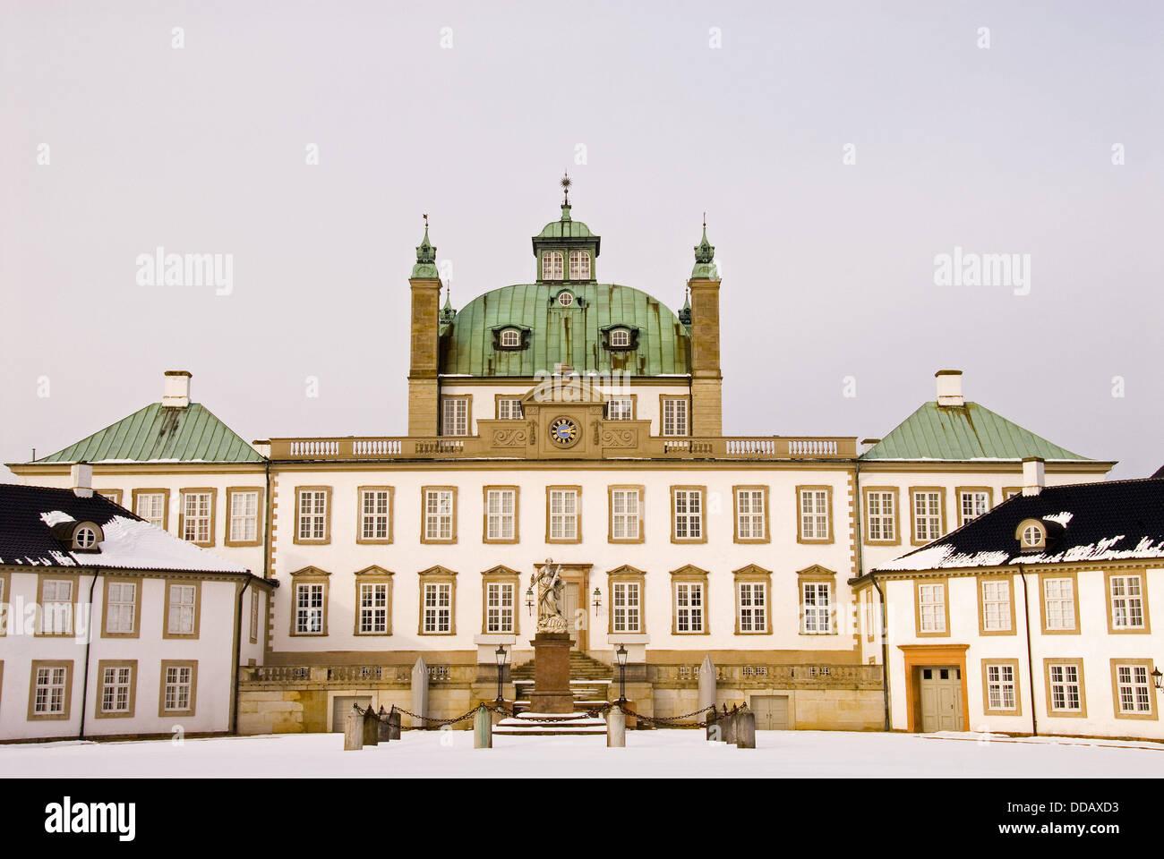 Fredensborg castle in Fredensborg Sealans, Denmark. Summer castle and summer residens to Her majesty Queen Margrethe - Stock Image