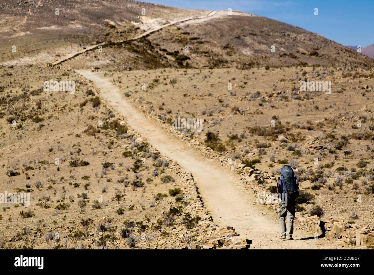 Hiking trail on Isla del Sol   Isla del Sol, Lago Titicaca  Reserva Nacional del Titicaca  Bolivia - Stock Image