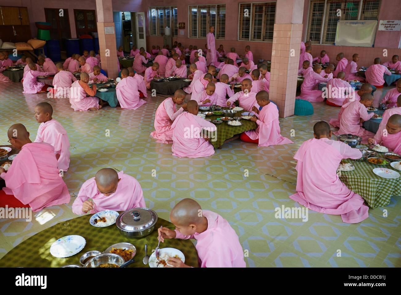 Myanmar (Burma), Yangon (Rangoon), nun lunch - Stock Image