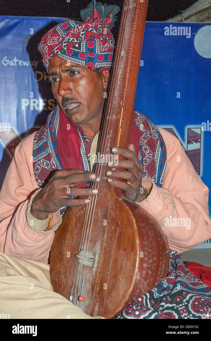 Local musician, Rann of Kutch - Stock Image