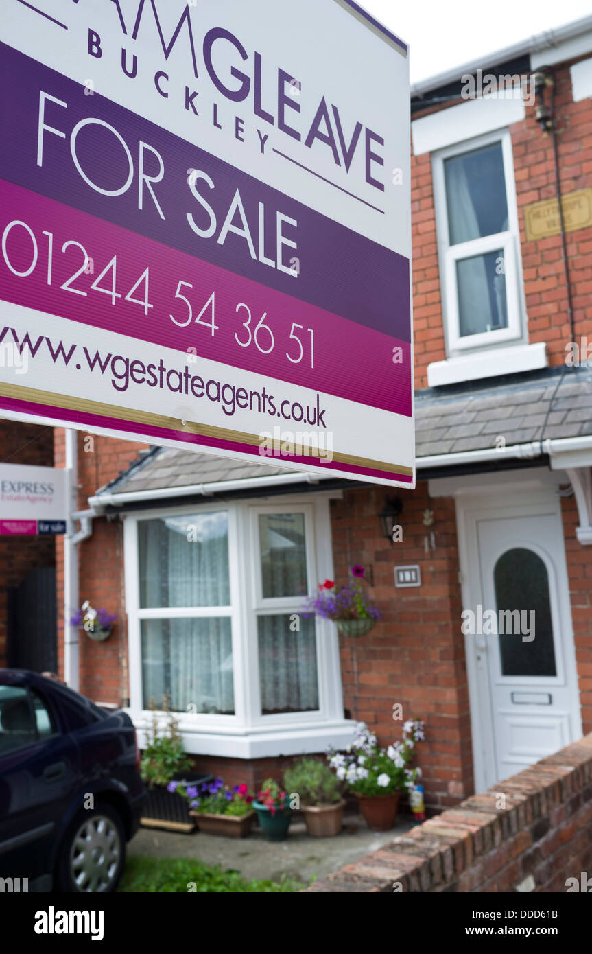 Two Red Brick Row Houses For Sale In Buckley, Flintshire, North Stock  Photo: 59911751   Alamy