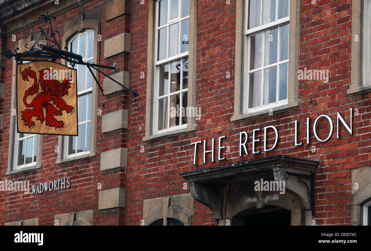 The Red Lion pub at Lacock, Chippenham, Wiltshire, South West England, SN15 2LQ - Stock Image