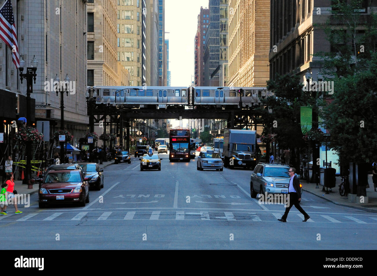 Street view of downtown Chicago. - Stock Image