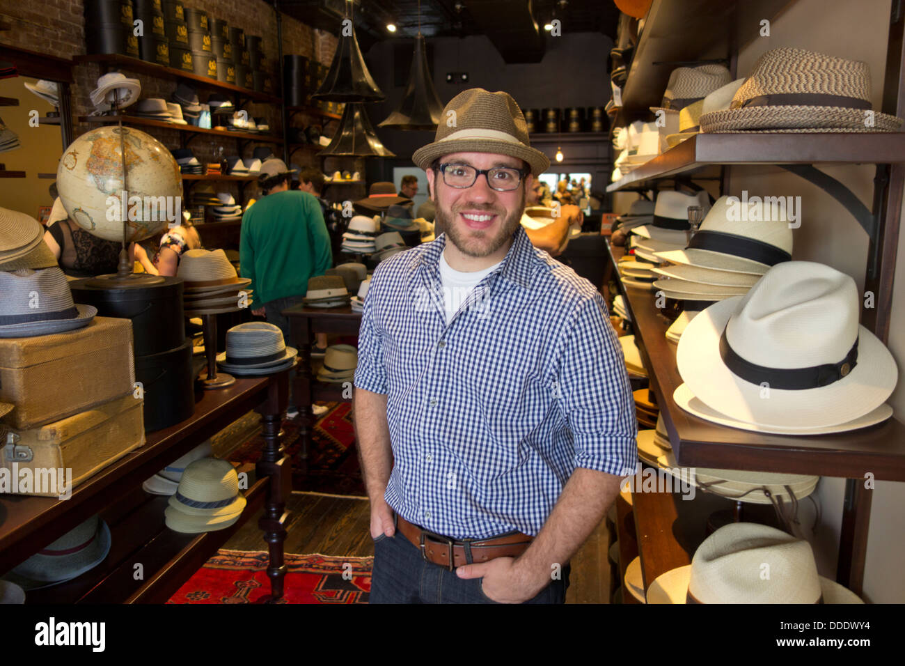 ccc4ccb99e0 Goorin Brothers Hat Shop Stock Photos   Goorin Brothers Hat Shop ...