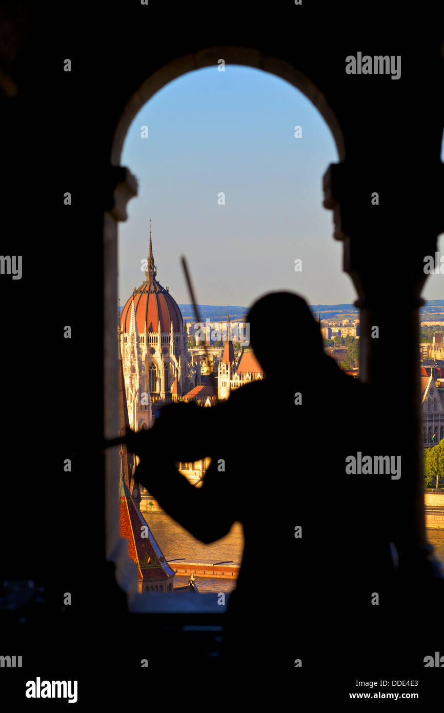 Violinist at Cafe, Fisherman's Bastion, Budapest, Hungary - Stock Image
