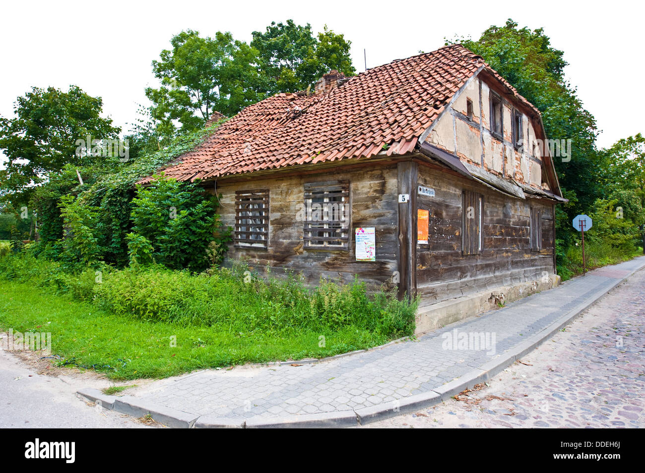 A very neglected old dwelling-house in Tykocin, a town in north-eastern Poland. - Stock Image