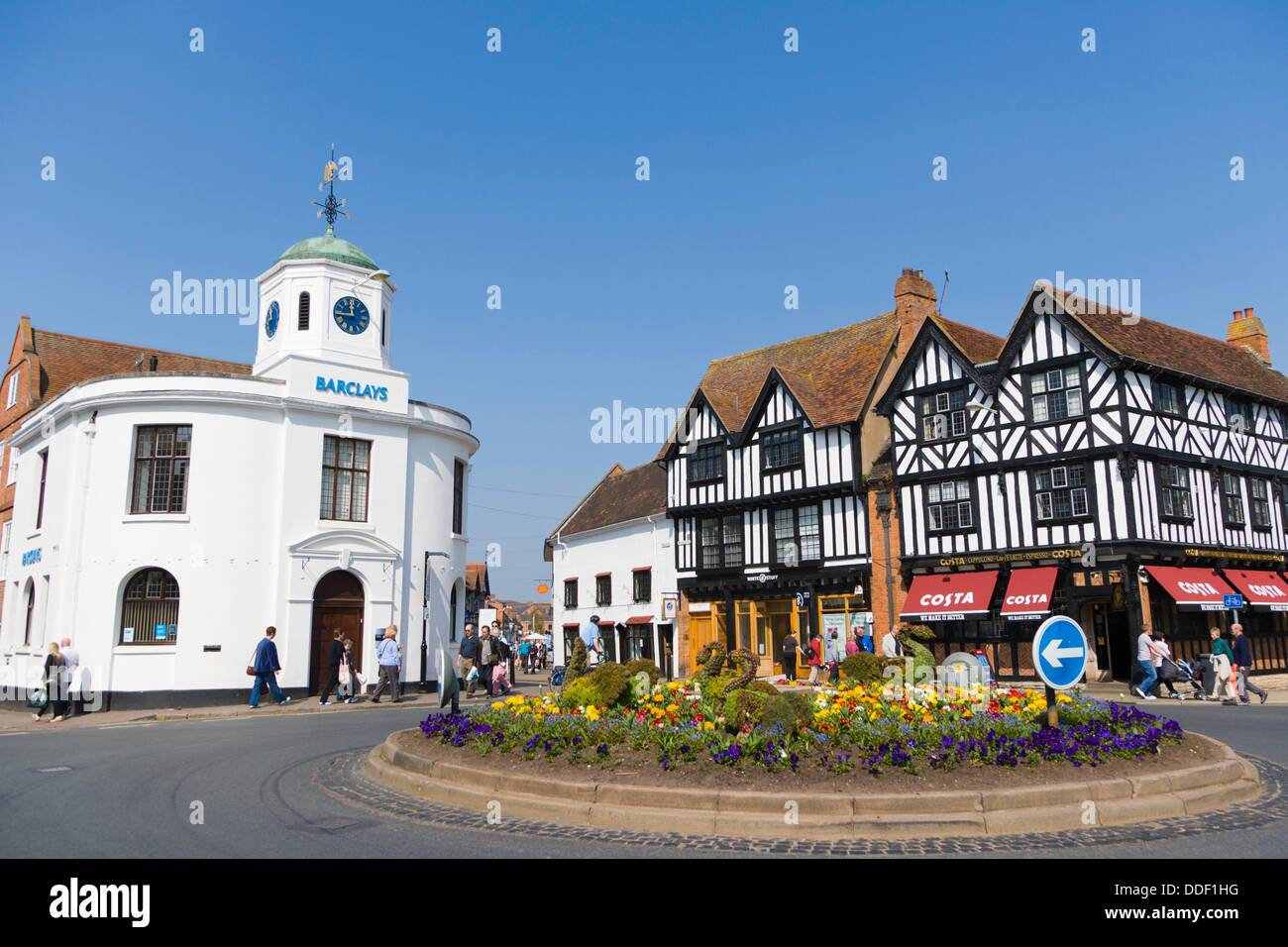 Traditional house settling Costa Coffee and Barclays Bank building, Market Cross, Bridge Street, Stratford upon - Stock Image