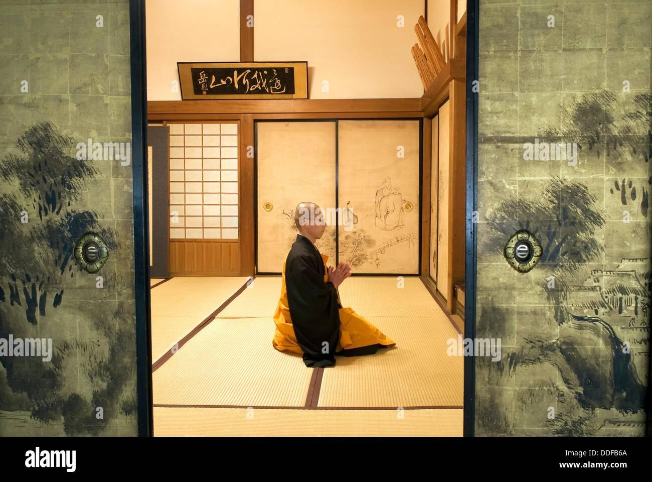 monk meditation in Henjoko monastery monastère Henjôkô  Japon, province de Wakayama, Mont Kôyasan, ensemble de temples Stock Photo