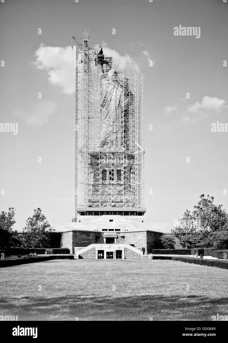 Statue of Liberty hidden behind scaffolding during restoration in 1984 on Liberty Island, NY. The restoration was - Stock Image