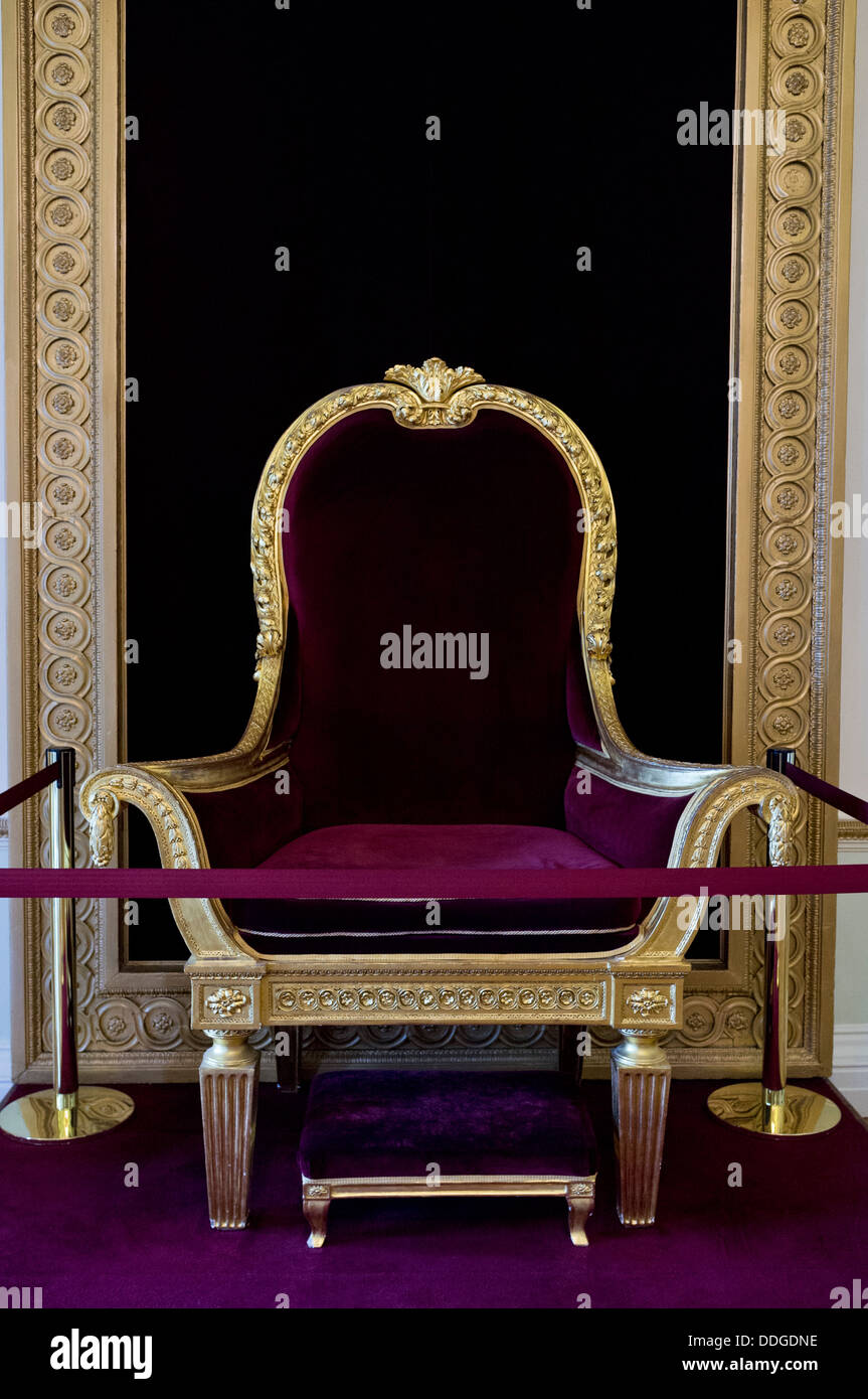 George IV throne in the state apartments in Dublin Castle, Ireland - Stock Image