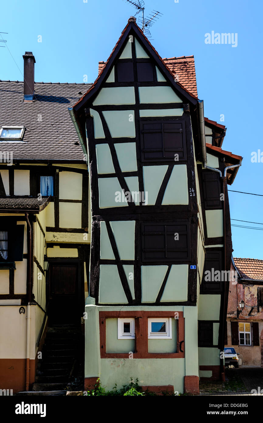 An unusual half timbered house in Bauxwiller, Alsace, France dating from 1623 - Stock Image
