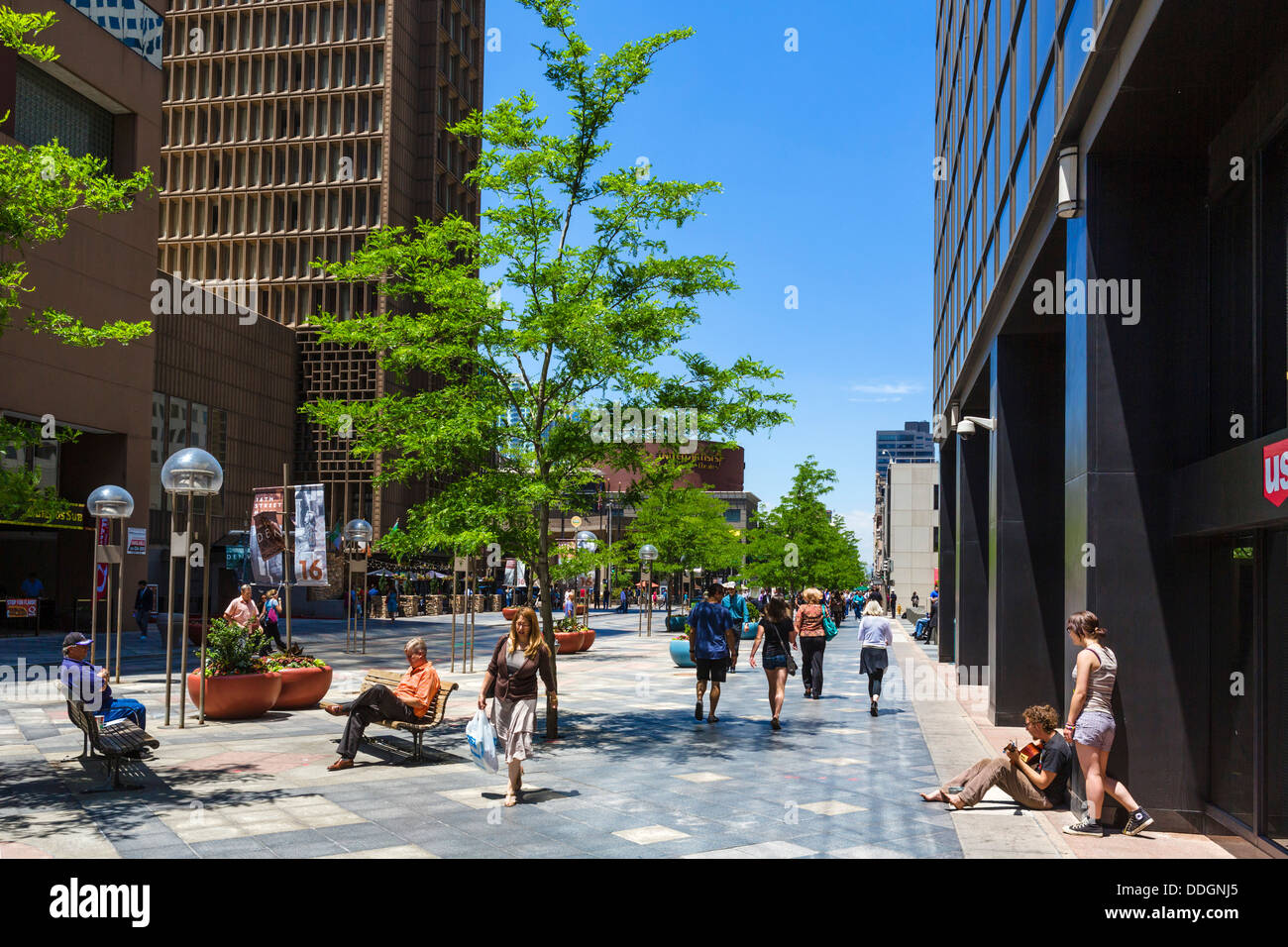 The pedestrianized 16th Street Mall in downtown Denver, Colorado, USA - Stock Image