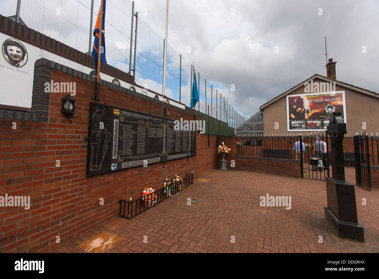 A monument and memorial garden for the Clonard martyrs in west Belfast keps the memory of the 1969 deaths on Bombay Stock Photo