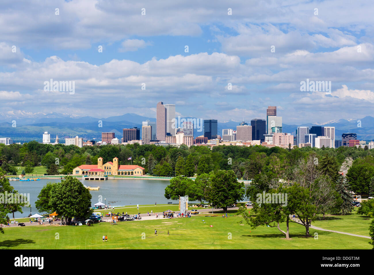 Downtown Denver city skyline from City Park with the Rocky Mountains in the distance, Colorado, USA - Stock Image