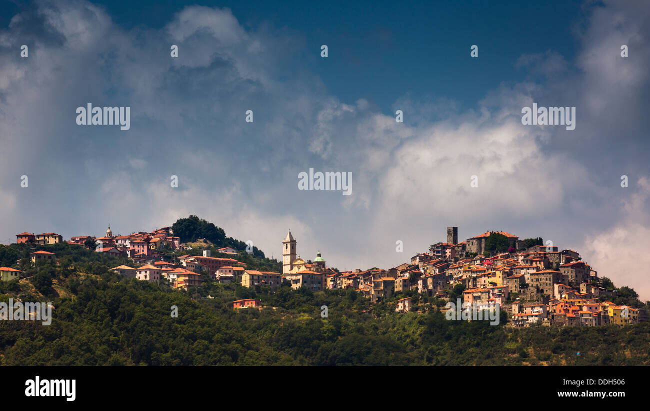 The village of Vezzano Ligure perched on top of the hill, Liguria, Italy Stock Photo