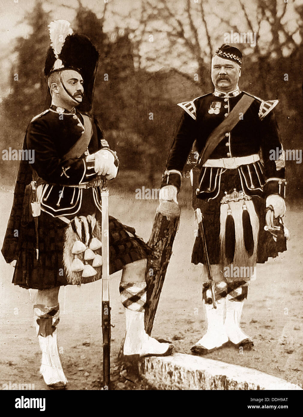 93rd Sutherland Highland Regiment Drum Major and Sergeant early 1900s - Stock Image