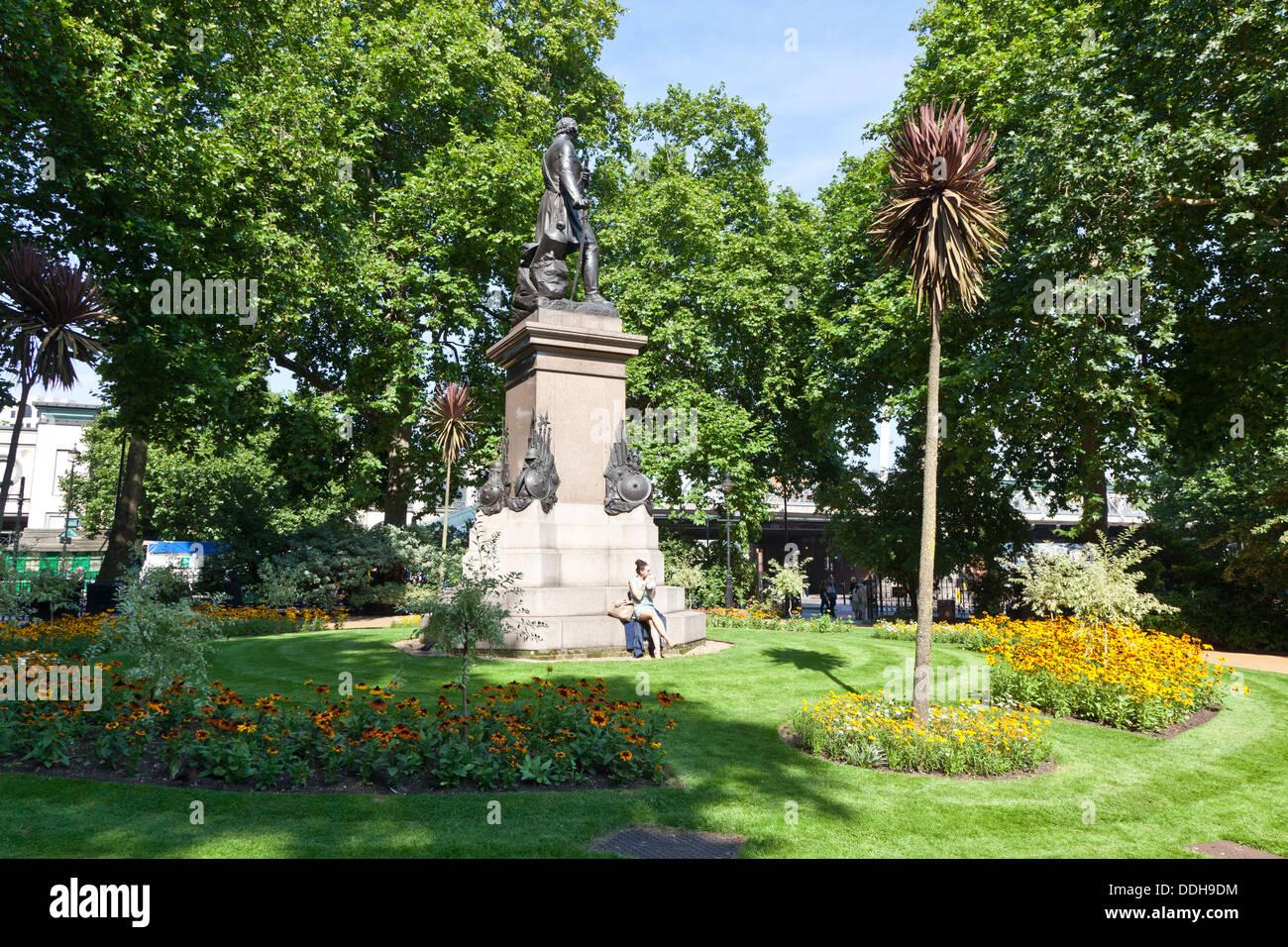 Victoria Embankment Gardens London Uk Stock Photo 60002256 Alamy