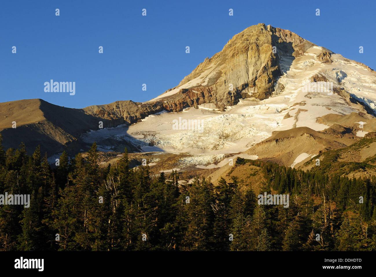 east face of Mount Hood volcanoe, Cascade Range, Oregon, USA Stock Photo
