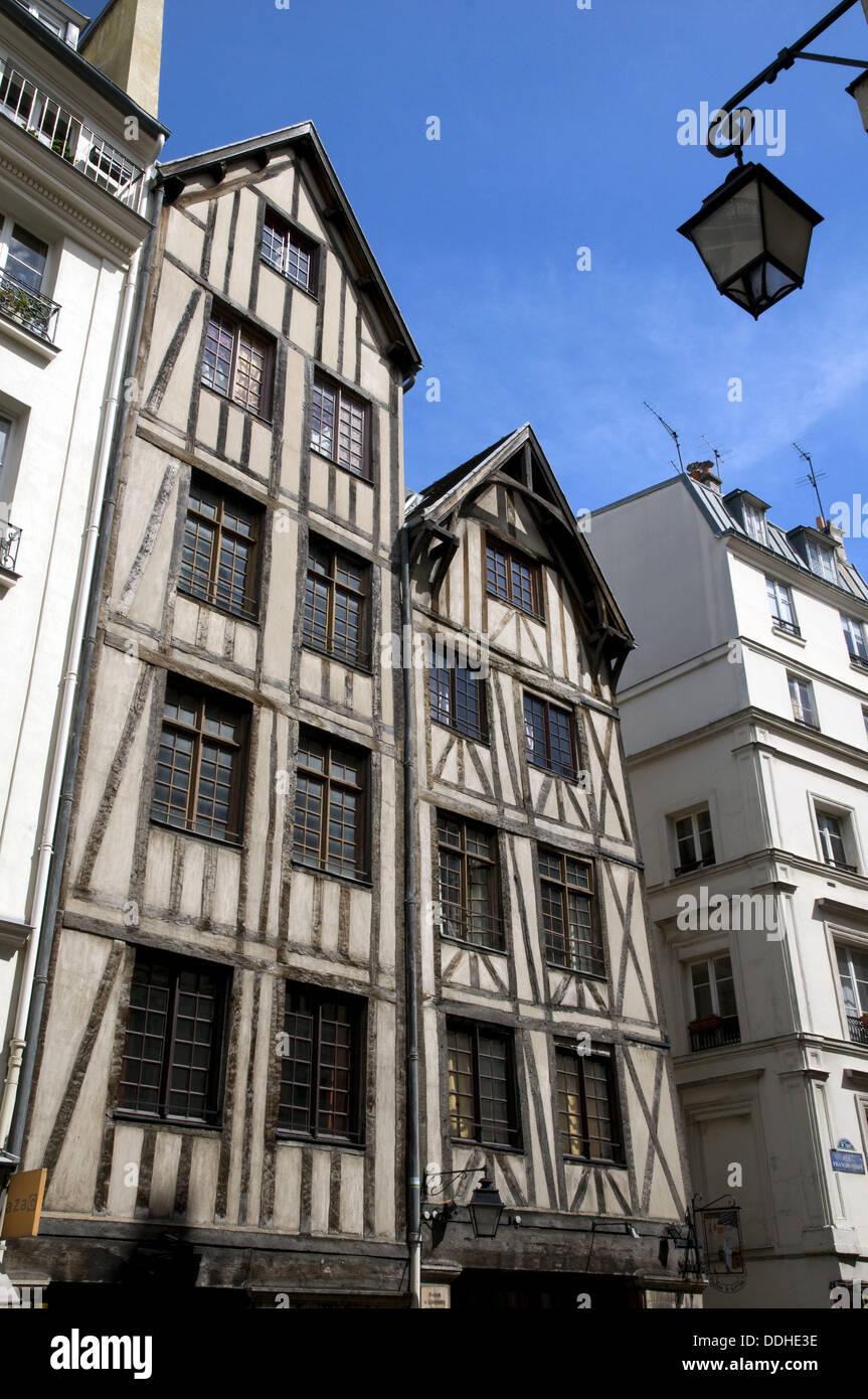 France, Paris 75  Oldest parisian buildings, from the 15th century, rue François Miron in Marais - Stock Image