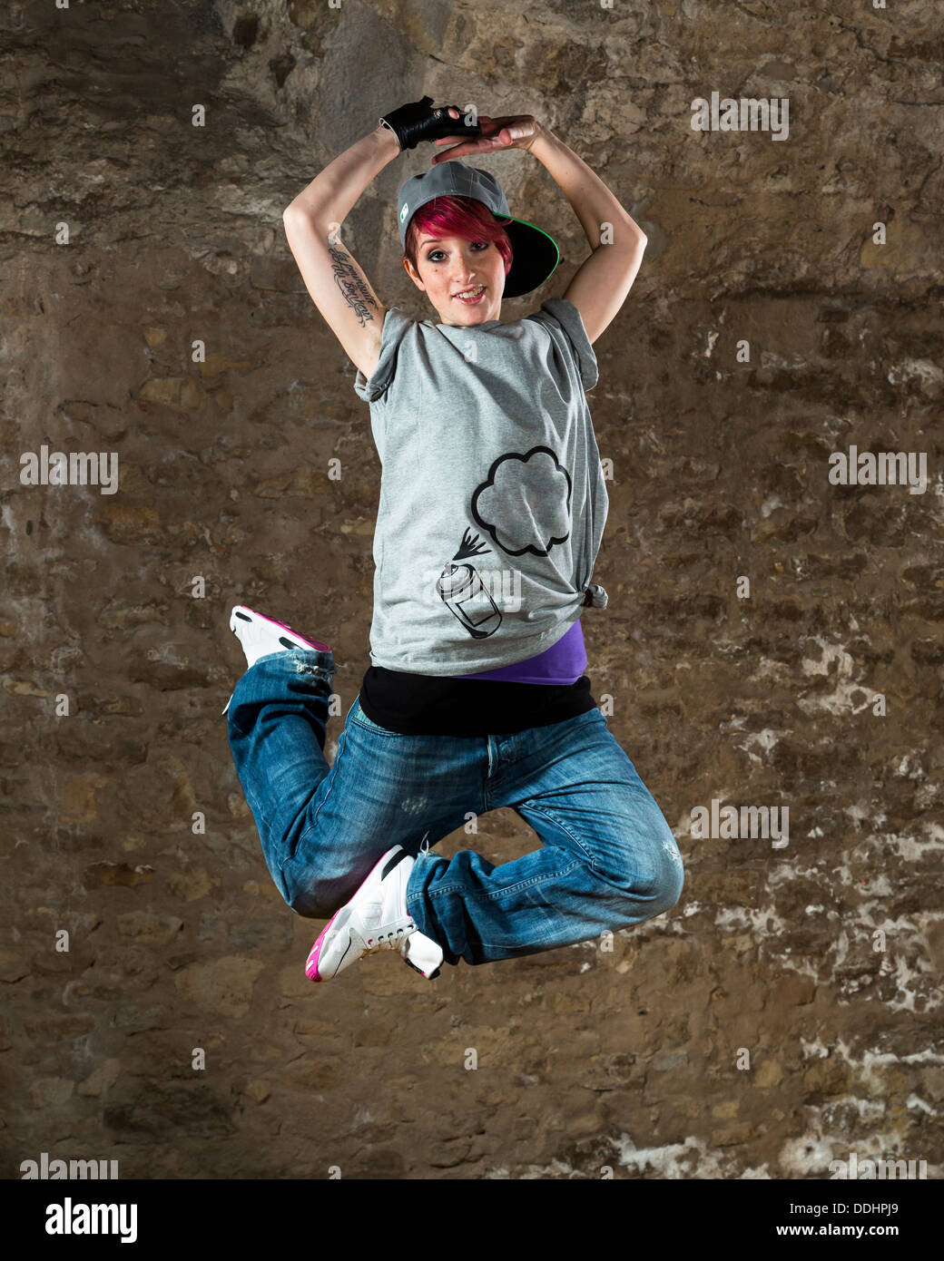 Young woman hip hop dancers dancing Stock Photo