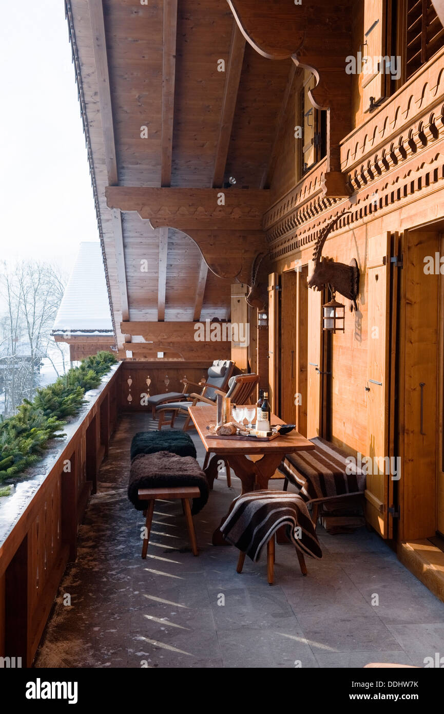 Swiss Chalet with interior designed by Tino Zervudachi Gstaad - Stock Image & Ski Chalet Interior Stock Photos \u0026 Ski Chalet Interior Stock Images ...