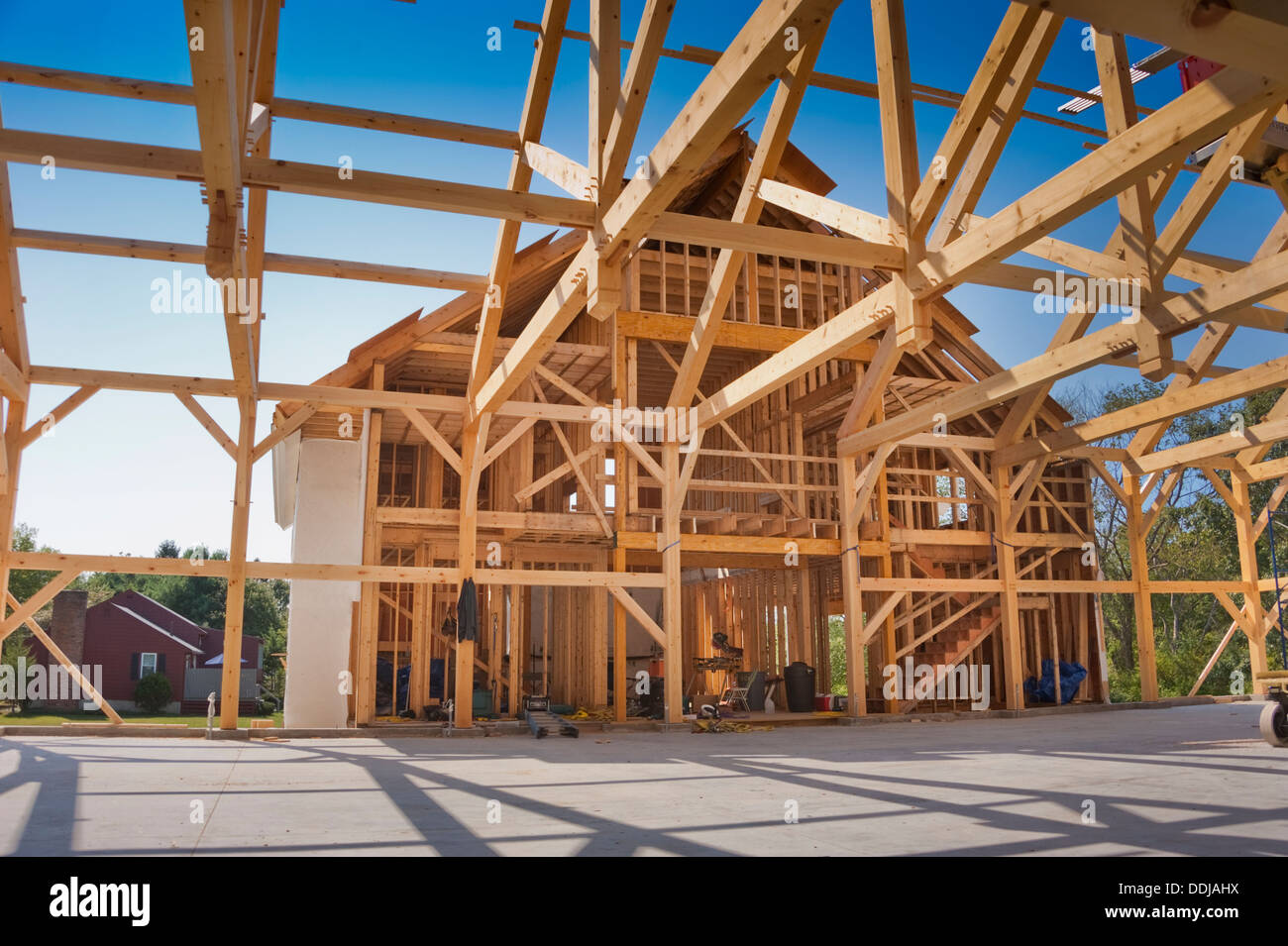 New house construction in the post and beam style - Stock Image