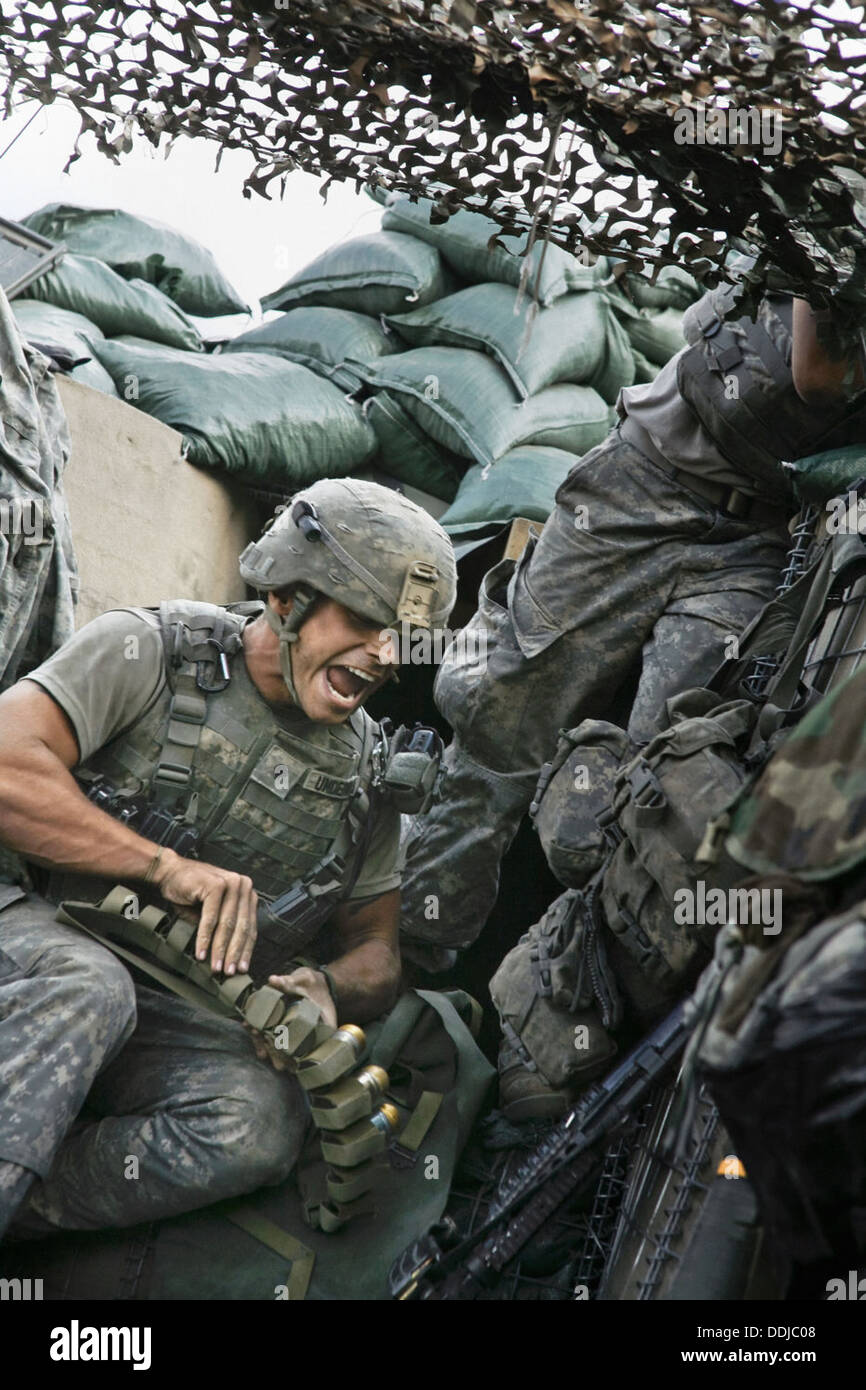 WHICH WAY IS THE FRONTLINE FROM HERE THE LIFE AND TIME OF TIM HETHERINGTON (2013) SEBASTIAN JUNGER (DIR) 003 MOVIESTORE - Stock Image