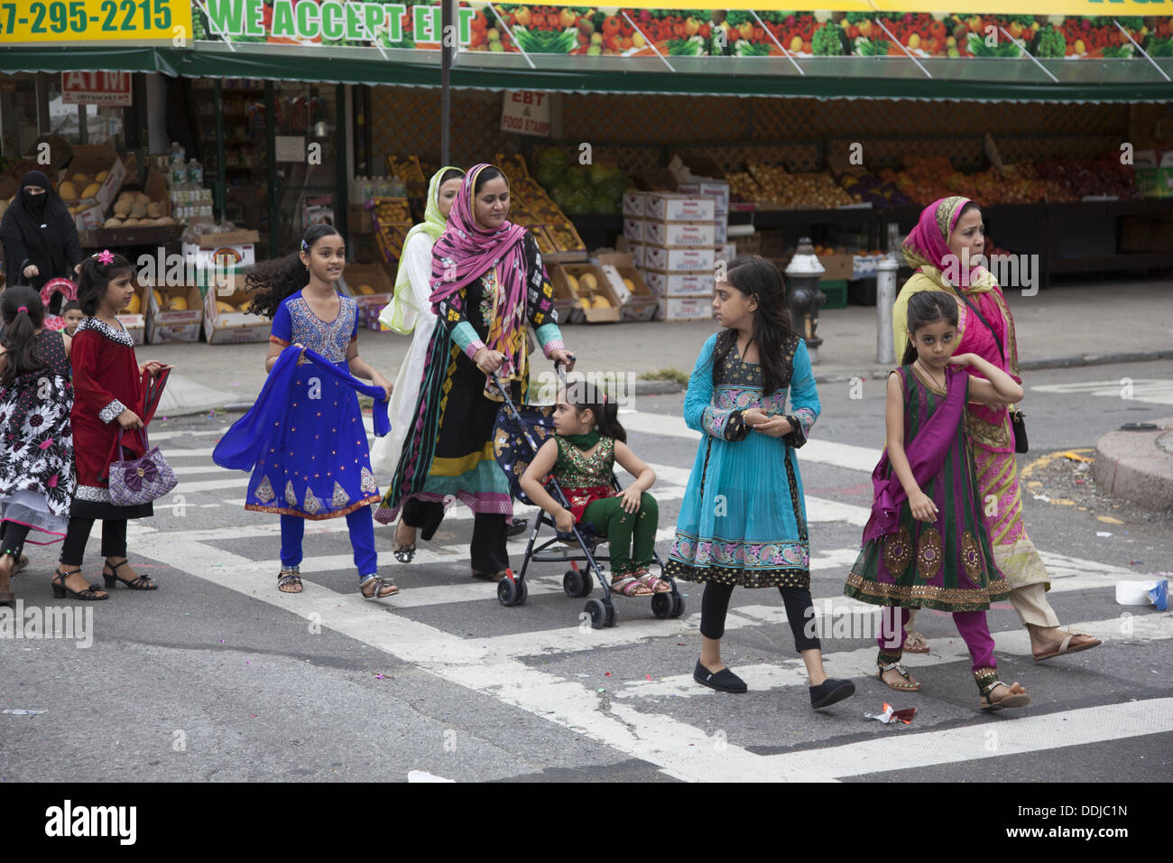 Pakistani immigrant neighborhood during Pakistan Independence celebrations in Brooklyn, NY. - Stock Image