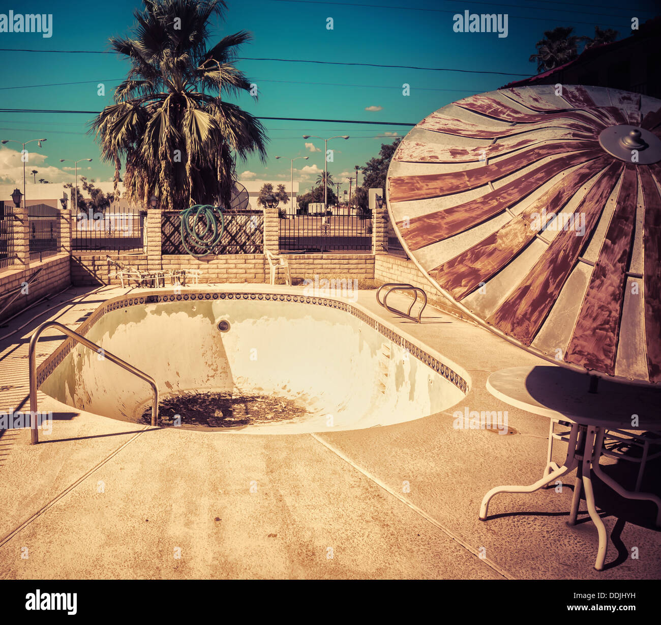 Abandoned American Motel Swimming Pool Depicting South West Urban Stock Photo Alamy