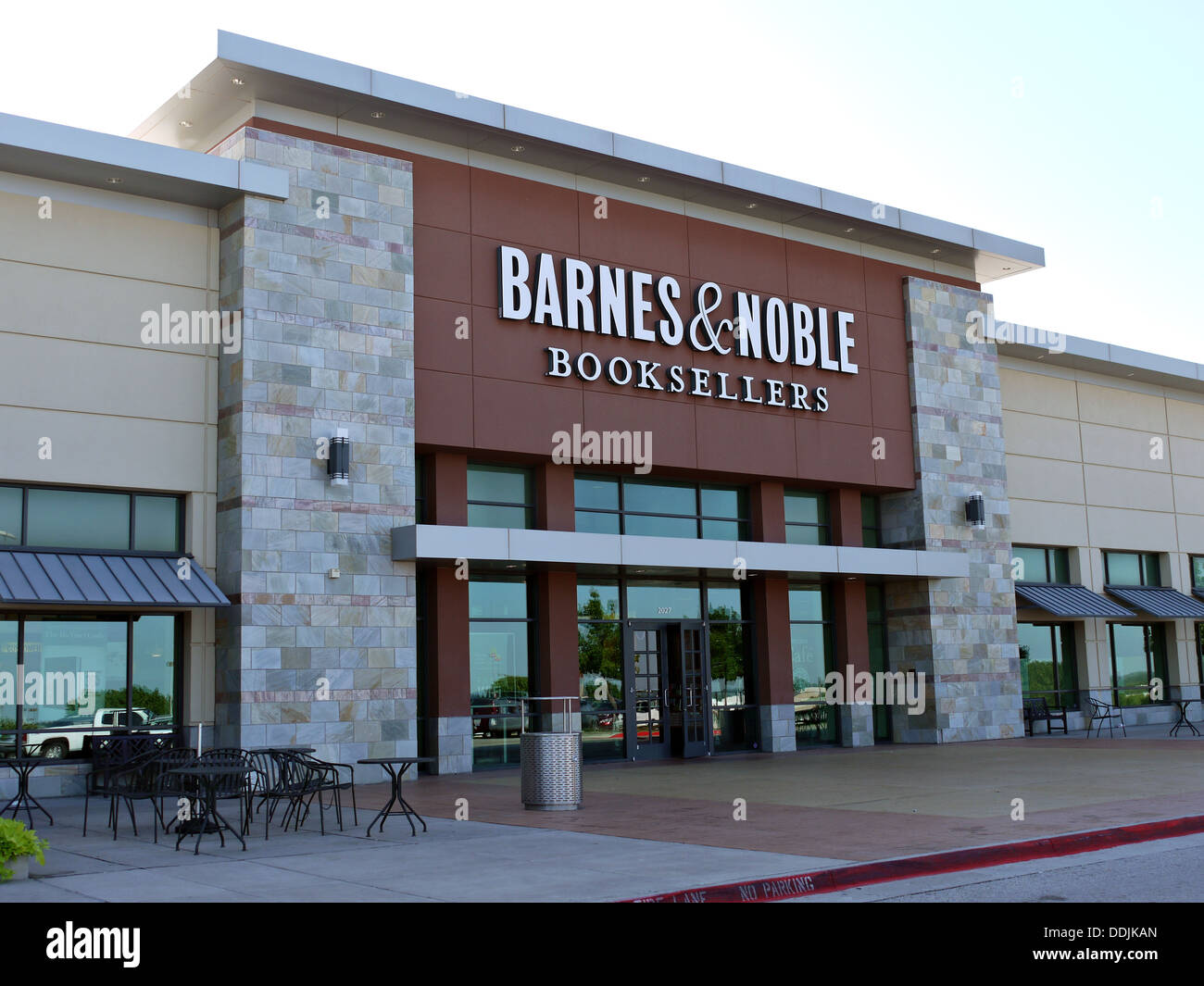 A Barnes and Nobles Book Sellers store in Arlington Texas. - Stock Image
